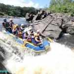 O Rafting é praticado com total segurança em Taboquinhas.