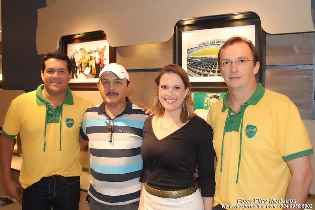 Carlos Souza, Canindé Soares, Maria Luiza Negreiros (Arquiteta) e Carlo Guglielmi.