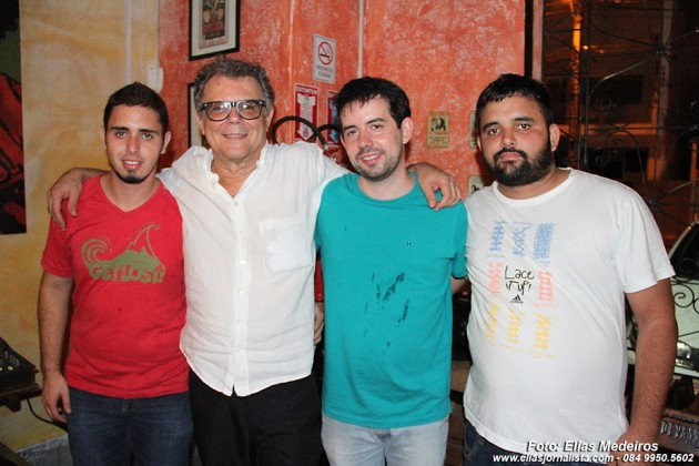 Marcos Sá de Paula, com  os humoristas Ticiano D´Amore, Giancarlo Danves e Bruno Lobo,