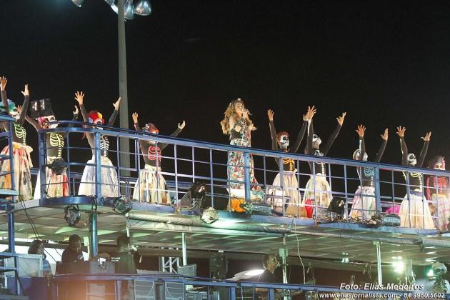 A cantora Daniela Mercury comemorou 20 anos do bloco Crocrodilo.