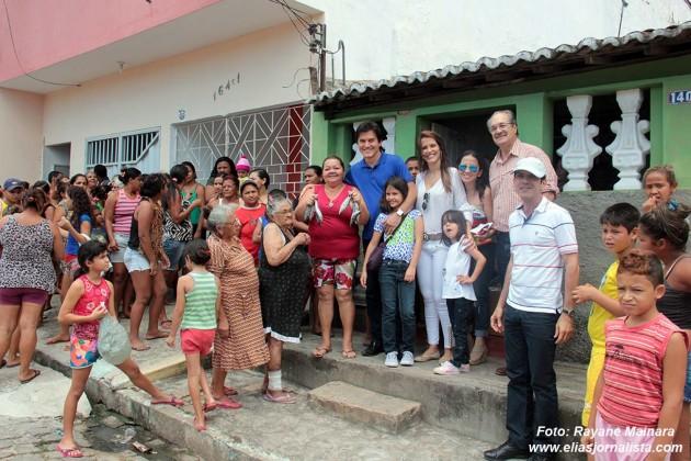 O Governador Robinson Faria acompanhou parte da doações de peixes para famílias carentes de Macaíba e do Bairro Nordeste, Planalto e Bom Pastor.
