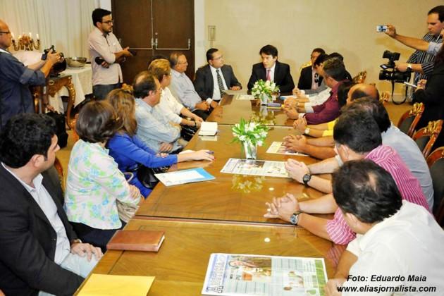Soluções para crise hídrica no Seridó são discutidas por deputados e governador