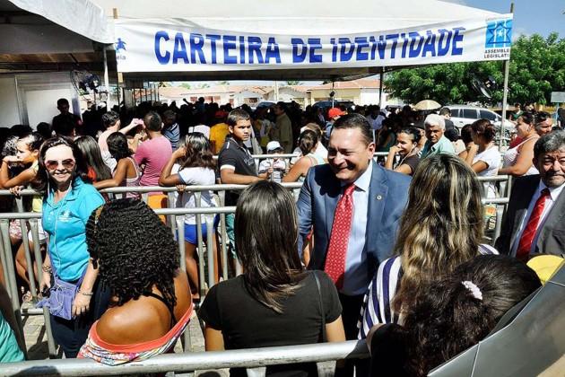 Ezequiel visitou os espaços montados em Angicos para atender à população através da Assembleia Cidadã.
