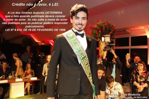 Este final de semana 26 Blogs reproduziram as fotos de propriedade do repórter fotográfico Elias Medeiros que produziu as imagens do representante do Rio Grande do Sul, Renan Cunha, vencedor do Mister Brasil Universo 2015.