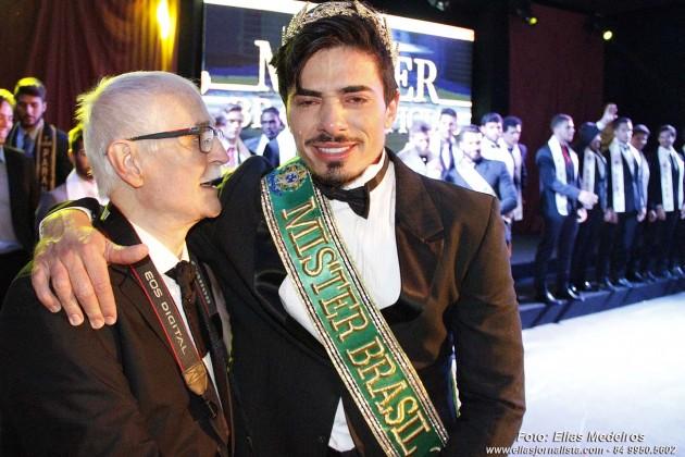 O gaúcho Renan Cunha foi eleito o Mister Brasil Universo 2015.