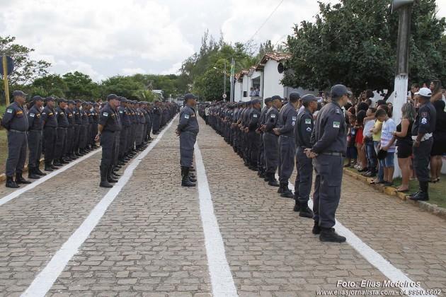 O governador Robinson Faria anunciou a promoção de 1.126 policiais militares e 106 praças bombeiros nesta primeira etapa.