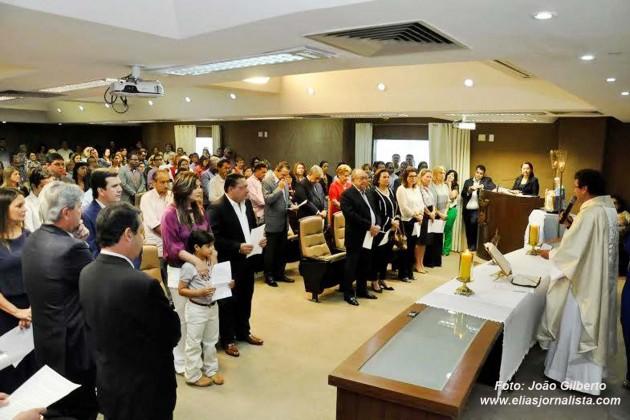 Servidores realizam missa em Ação de Graças pelo aniversário do presidente da Assembleia Legislativa.