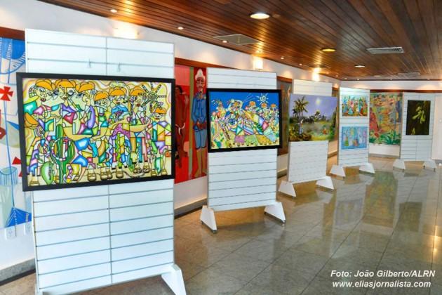 Assembleia recebe exposição com obras de oito potiguares.
