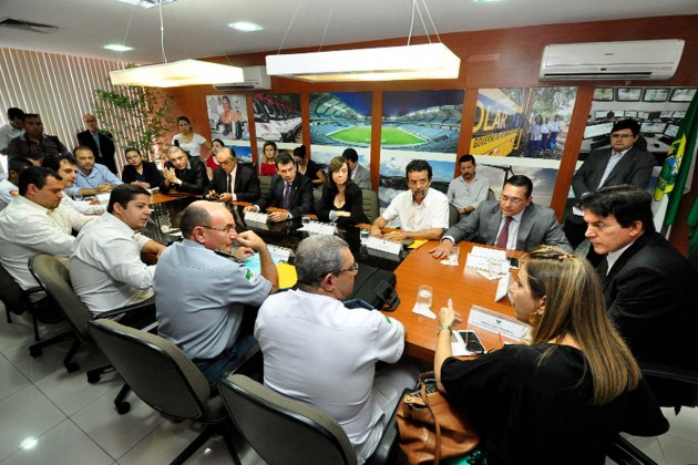 Empenho dos deputados garante reavaliação clínica dos concursados da PM. (Foto: Eduardo Maia).