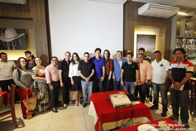 Um grupo de 30 o governador Robinson jornalistas foram recepcionados pelo prefeito Francisco Junior e