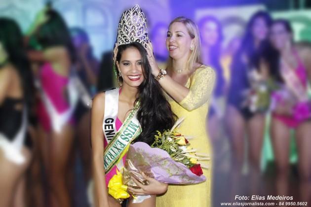 , Radla Fernandes, estudante de 19 anos, foi eleita Miss Extremoz 2015