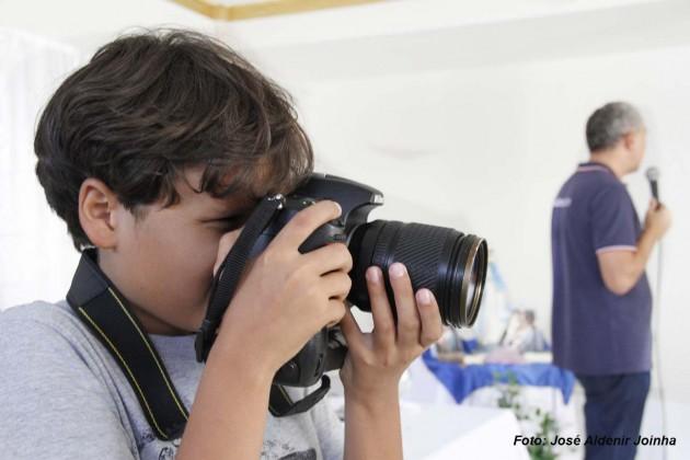 Artur Gabriel de q0 anos, filho do repórter fotográfico Adenir Joinha foi o fotógrafo oficial do Seminário.