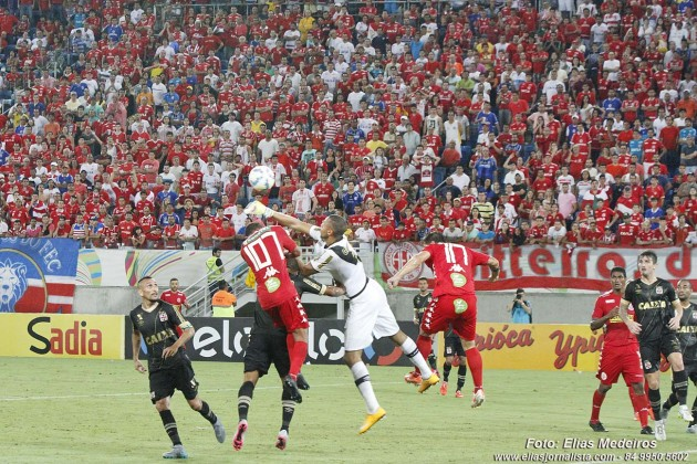 Vasco vence América RN por 3 a 2 e avança na Copa do Brasil.
