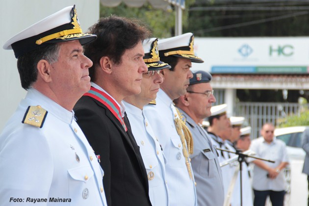 Governador recebe Medalha Ordem do Mérito Naval da Marinha do Brasil.