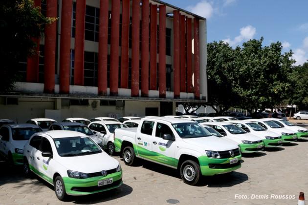 Vinte e dois automóveis e 241 computadores foram entregues nesta terça-feira, 18, pelo Governador Robinson Faria aos escritórios regionais da Emater