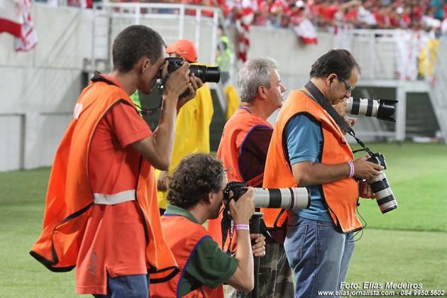 De olho no lance - Augusto Rátis - repórter fotográfico.