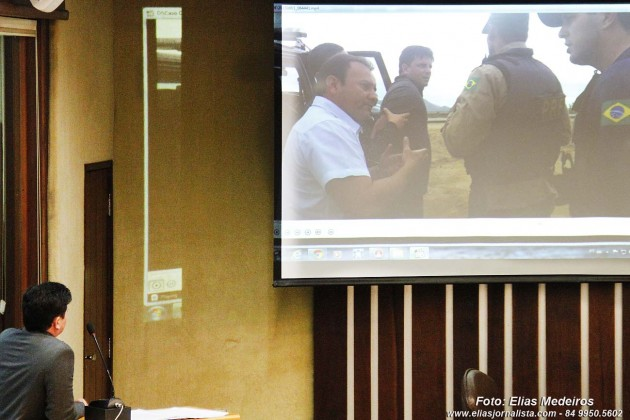 Deputado Carlos Augusto exibe vídeo de agressão em Caicó e esclarece episódio na Assembleia.
