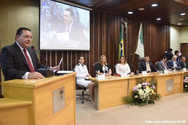 """presidente Ezequiel Ferreira de Souza """"A administração é a profissão que mais cresce no Brasil e no mundo. Hoje, cada vez mais profissionais qualificados estão à frente de cargos estratégicos em órgãos públicos e empresas privadas."""