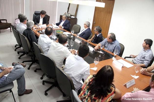 Governo discute pavimentação do Distrito Industrial de Macaíba.