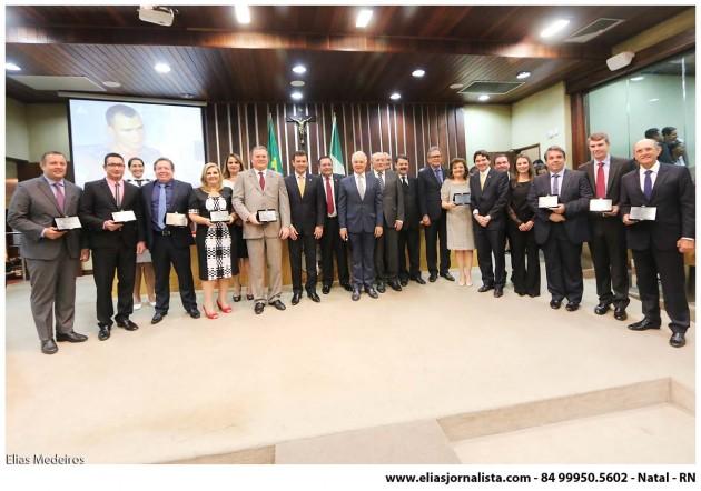 A Assembleia Legislativa, por propositura do presidente Ezequiel Ferreira de Souza (PMDB), homenageou na manhã desta quarta-feira (9), empresários e administradores que se destacam no Rio Grande do Norte