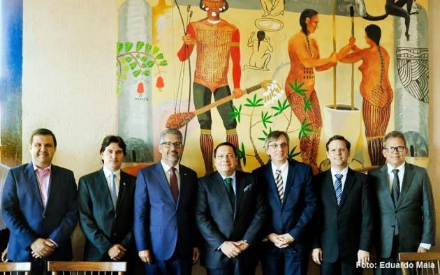 Presidente da AL recebe embaixador e comitiva da Alemanha para estreitar parcerias.