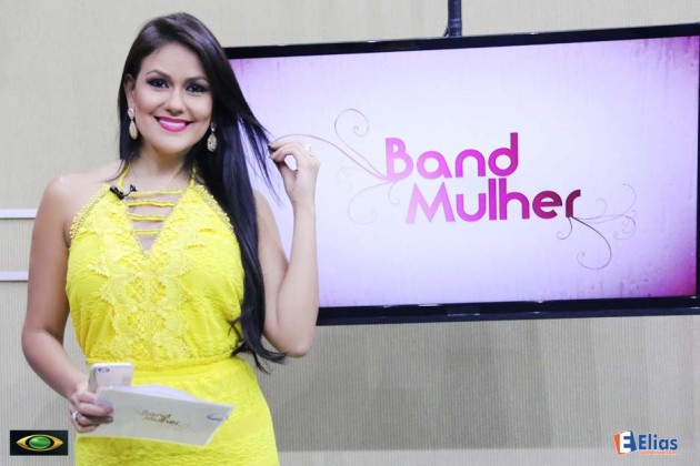 A jornalista Juliana Celli comanda o programa Band Mulher de segunda às sexta-feira, às 13h30.
