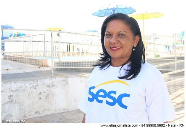 A diretora do Sesc Potilândia acompanha diariamente as atividades dos idosos.