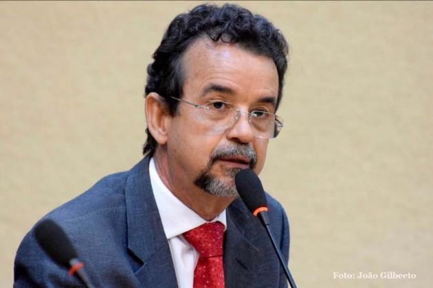 Mineiro fala sobre Projeto que dispõe de auxílio transporte para servidores da Fundação Universidade do Estado do Rio Grande do Norte (FUERN) FUERN.