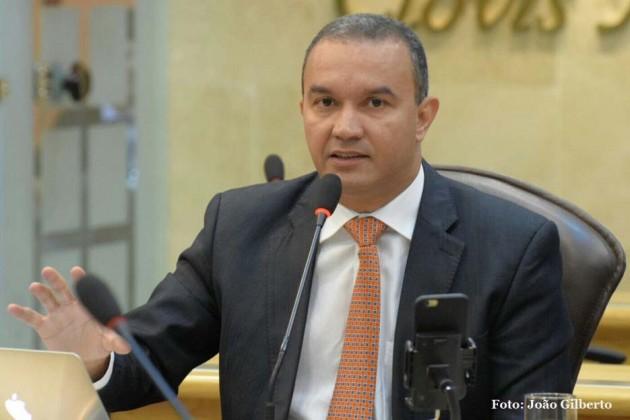 Parlamentar citou assassinatos ocorridos no último final de semana.