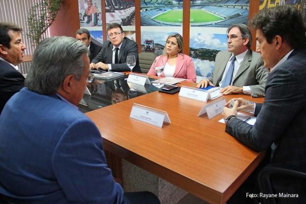 Governo e Fecomércio discutem obras do Hotel Escola Barreira Roxa.