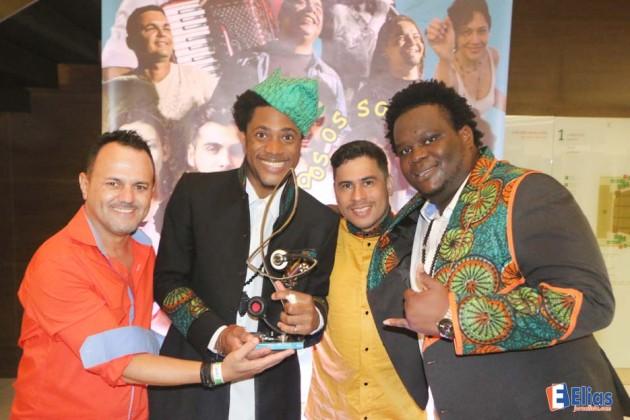 """Os """"Dois Africanos"""" ficaram com o Prêmio HANGAR de World Music."""
