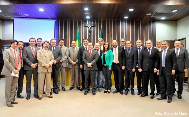 Deputados estaduais aprovam Orçamento Geral do Estado para 2016.