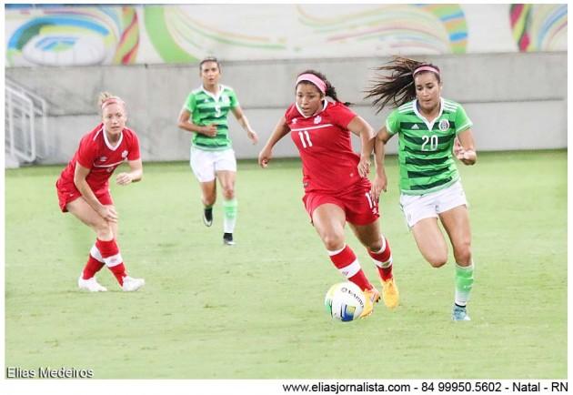 Na preliminar o Canadá  venceu por 3 a 0 a equipe do México.