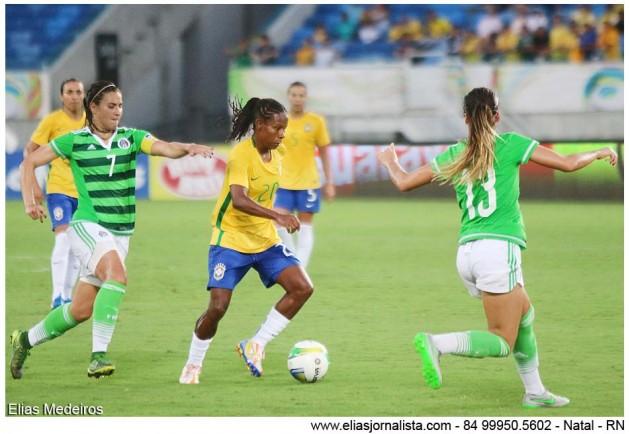 A jogadora Formiga marcou um dos gols e foi o destaques da partida.