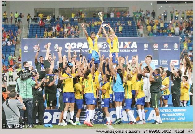 Brasil vence o Canadá e conquista o hexacampeonato do Torneio Internacional de Futebol Feminino na Arena das Dunas em Natal.