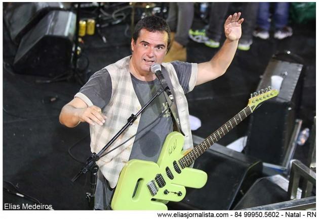 """Ricardo Chaves prometeu manter a tradição e dar o """"último acorde"""" da micareta. É que o bloco Bicho"""