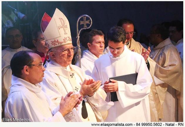 Dom Jaime recebeu os parabéns pelos 20 anos de Sagração Episcopal.