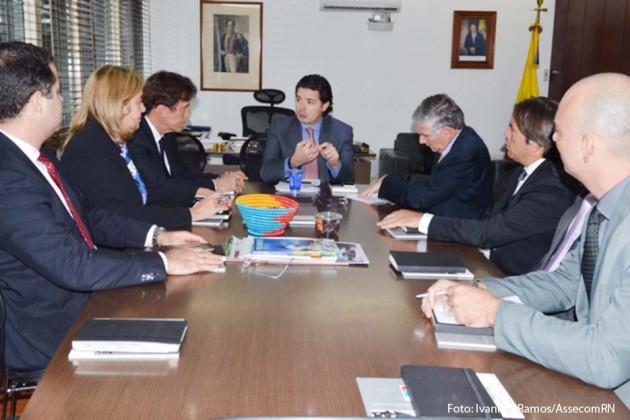 Governador Robinson Faria participa de reunião no Ministério da Defesa colombiano.