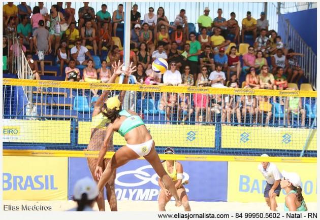 A dupla Juliana e Taiana avança para as semifinais do Circuito Brasileiro de Vôlei de Praia.