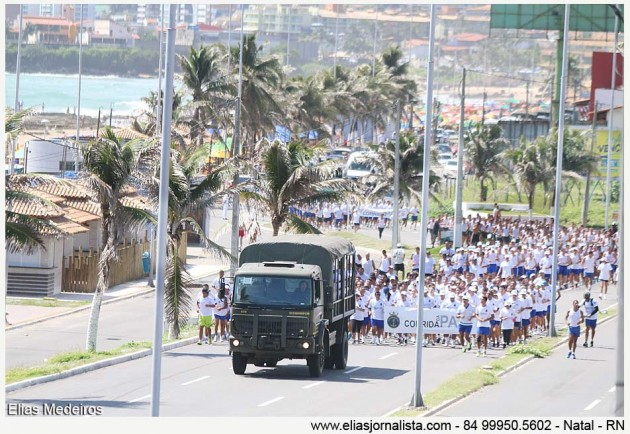 Marinha realiza corrida pela Paz na Orla de Natal.