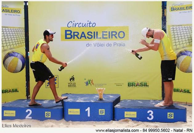 A dupla Alison e Bruno Schmidt vence etapa Natal do Circuito Brasil de Vôlei de Praia
