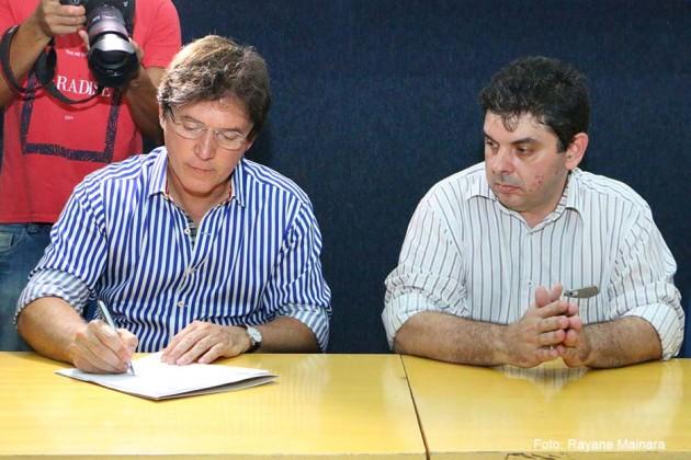 Governo doa terreno para ampliação do ambulatório da faculdade de medicina da UERN.