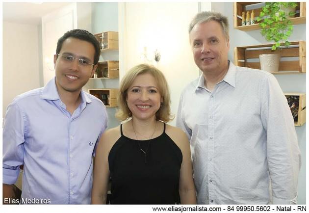 Marcelo Cruz, Valda e Robert Kahn, proprietários do Fritz Bistrô, apresentaram à imprensa, seu novo cardápio.