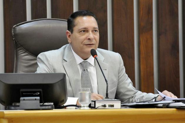 Ezequiel Ferreira requer reforma de ponte e passagem molhada para Nova Cruz. (Foto: Eduardo Maia).