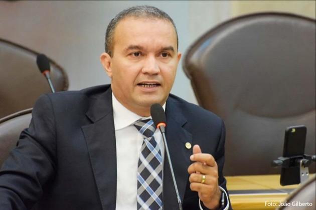 Kelps Lima propõe repactuação do Governo em prol de melhorias.