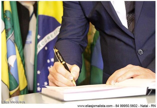 Governador empossa novos secretários e reafirma perfil técnico da administração
