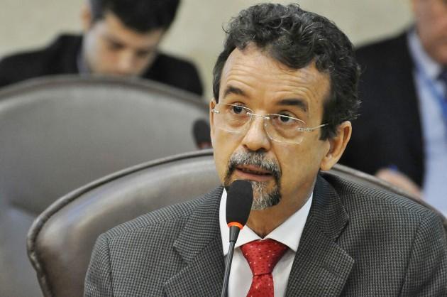 Fernando Mineiro enaltece luta antimanicomial e combate à exploração infantil. (Foto: Eduardo Maia).