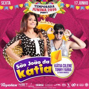 Kátia Cilene anima festa de São João na Pepper's Hall.