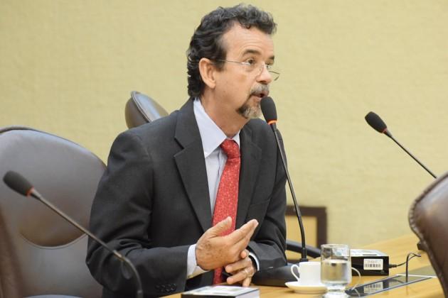 RN tem maior aumento de municípios entre jovens no país, destaca Mineiro.