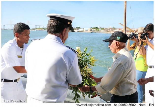 eM nATAL, Marinha homenageia marinheiros mortos em Guerra.